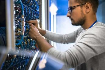 slowloris攻撃とは ウェブサーバーの脆弱性対策に有効な実践的対策